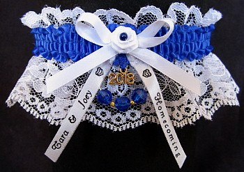 Homecoming Garter Feature with Year Charm, Personalized Homecoming Ribbon Tails. Personalized Homecoming Garters in Your School Colors. garders, garder