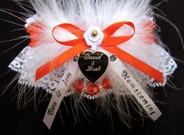 Homecoming Garter Feature with Marabou Feathers, Engraved Heart Charm, Personalized Homecoming Ribbon Tails. Personalized Homecoming Garters in Your School Colors. garders, garder