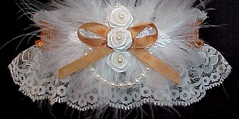 Roses 'n Pearls Ivory Lace Bridal Garter in Wedding Colors. Bridesmaid Garter. Attendants Garters. garders, garder
