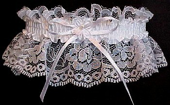 Matching Toss Garter w/ Forget-Me-Not Flower. Wedding Garter Bridal Garter on white lace. garders, garder