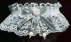 Silver Dbl Hearts Valentine Garter w/ Silver Metallic Bow on White Lace.